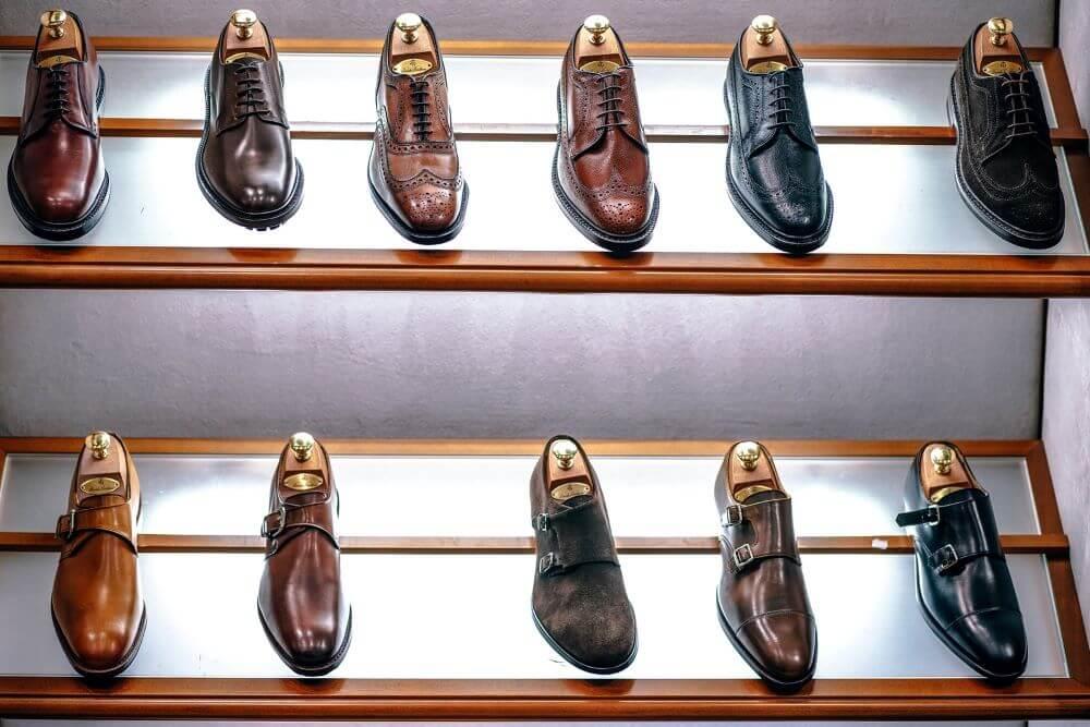 靴磨きが趣味になると革靴も道具も気になります